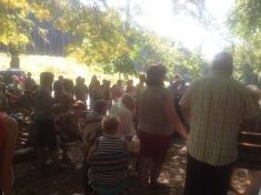 Farský piknik pri obrázku s mariánskou pobožnosťou 2016